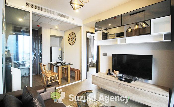 新築の売買のコンドミニアムでは普通、新品の家具や家電がひと通り、揃っています