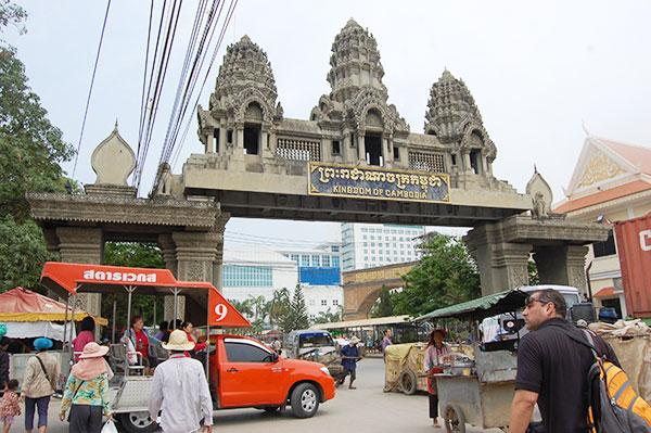 カンボジア、国境超えのビザランやラオスへのビザツアーなど受付中