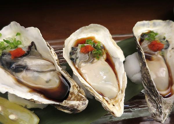 日本から直送の魚介も豊富に揃う