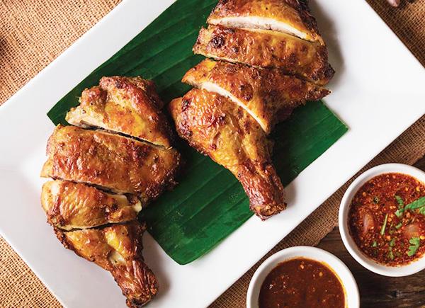 肉厚のガイヤーン、鶏肉の炭火焼き