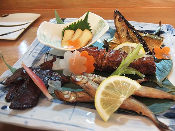 いろり焼きによる日本直輸入の魚介