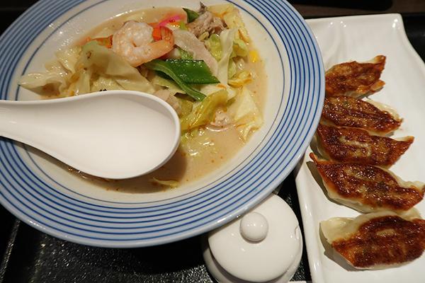 長崎ちゃんぽんと焼き餃子