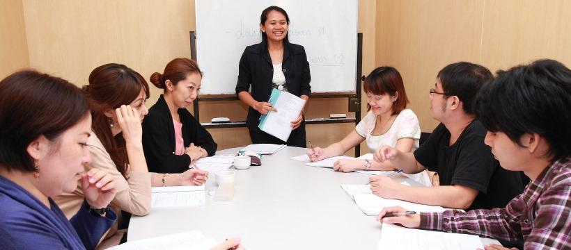 セントラルワールド内なので、会社勤務の人が集まりやすい